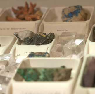 Where can I contact a geologist online?